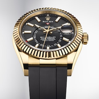 Oyster Perpetual Sky-Dweller, 42 mm, ouro amarelo 18 quilates